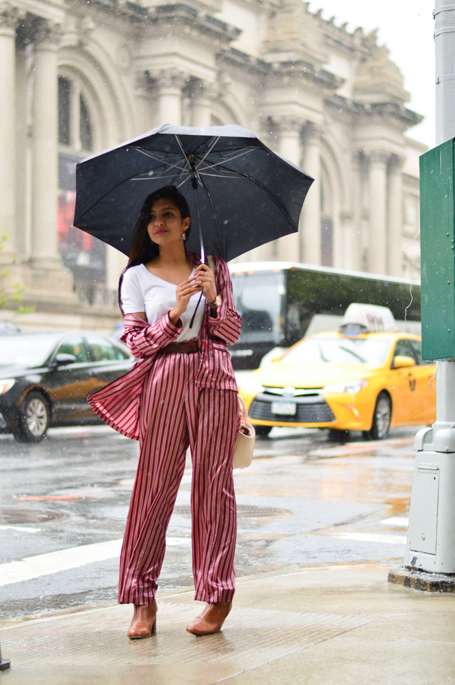 pajama-style-silk-pj-set-how-to-style-pantsuit-nyc-travel-style-blogger-fashion-outfit 4