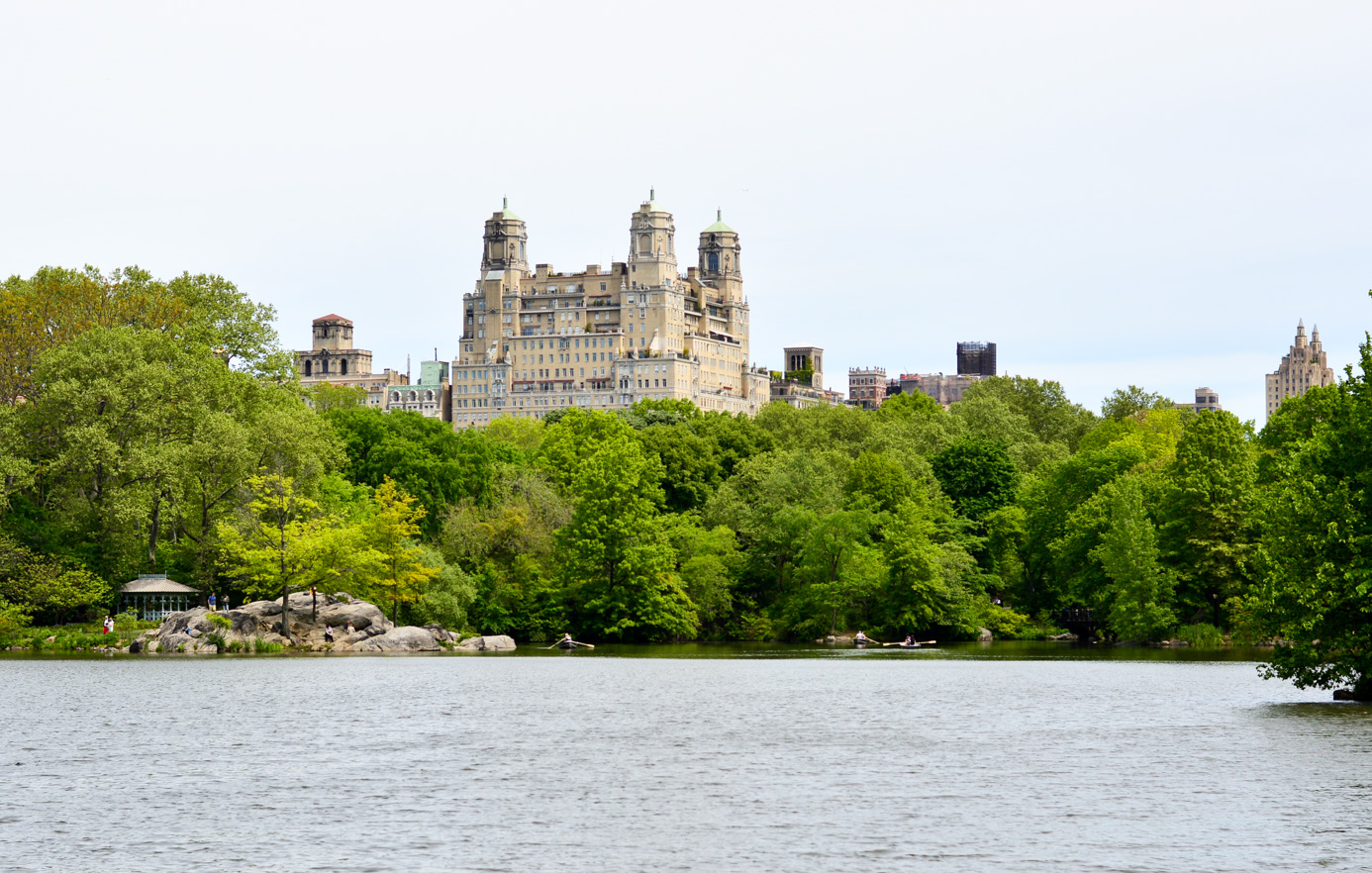 central-park-summer-style-ashford-castle-stripes-embroidered-blogger-outfit 5