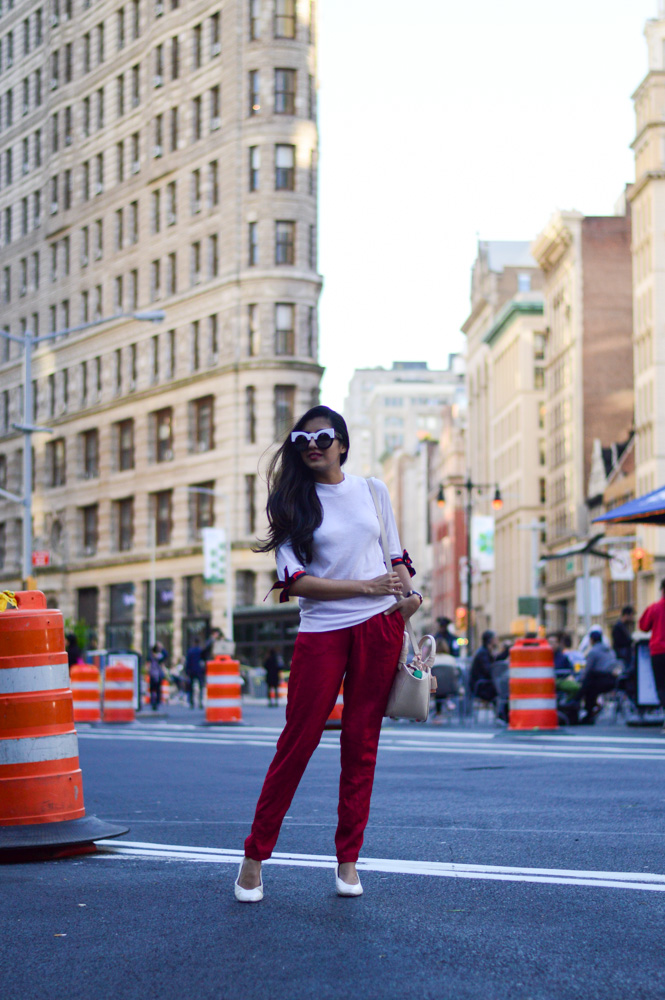 tie-sleeved-white-tee-red-silk-pants-summer-style-nyc-style-blogger-outfit-flat-iron 15