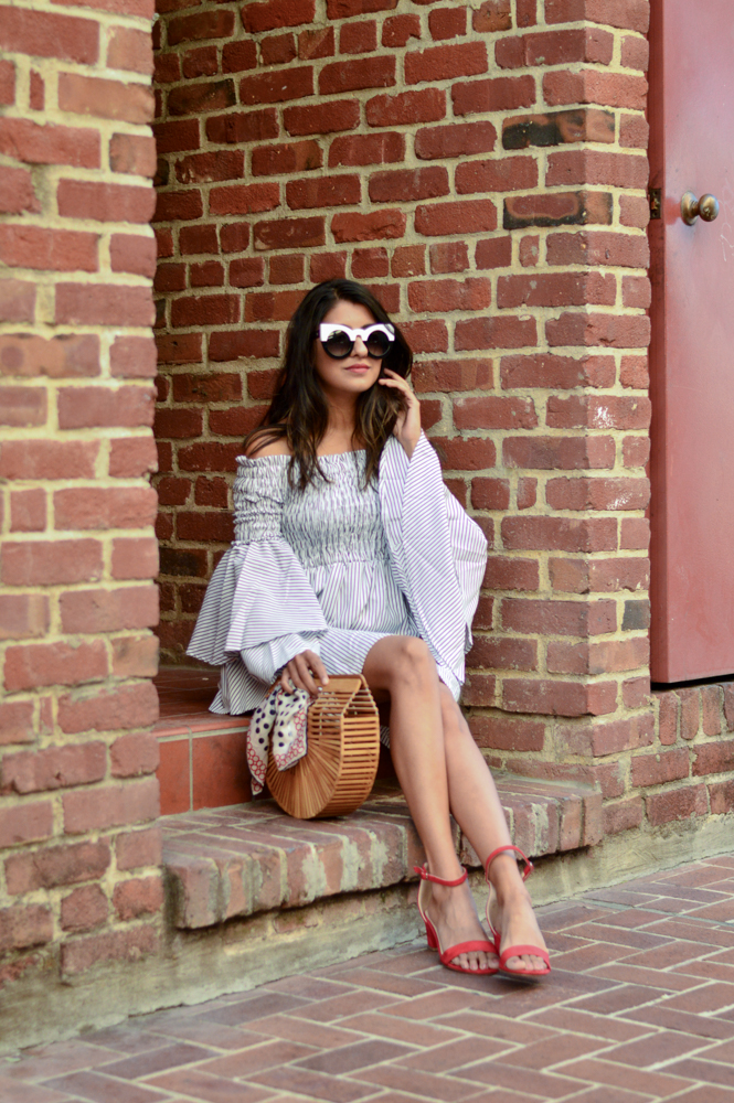 bell-sleeves-ruffles-stripes-dress-black-and-white-summer-style-blogger-outfit 6