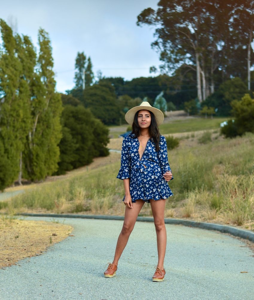 navy-floral-romper-summer-style-blogger-outfit 8