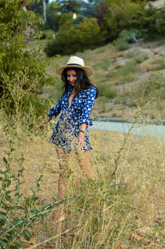 navy-floral-romper-summer-style-blogger-outfit-golden-hour 9