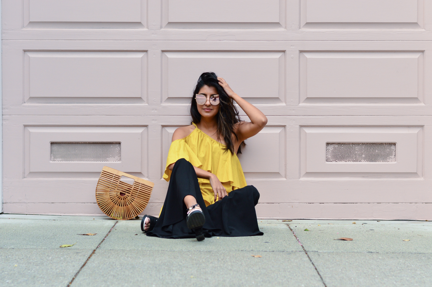 ruffles-mustard-yellow-fall-fashion-asymmetric-hem-blogger-outfit 4