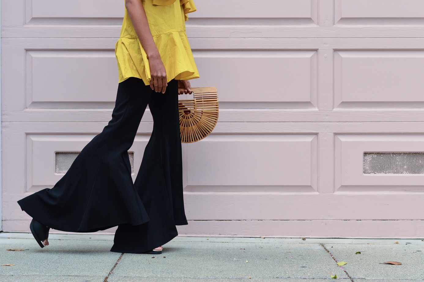 ruffles-mustard-yellow-fall-style-flared-bell-bottom-pants-blogger-outfit 7