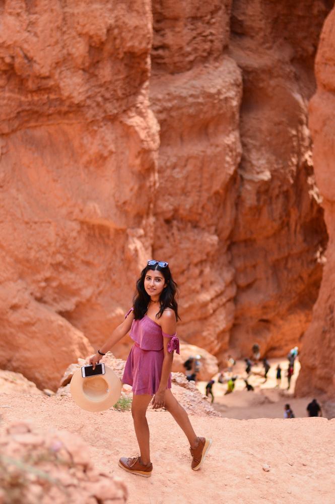 pink-crop-top-shorts-set-bryce-canyon-utah-travel-blogger-outfit 8