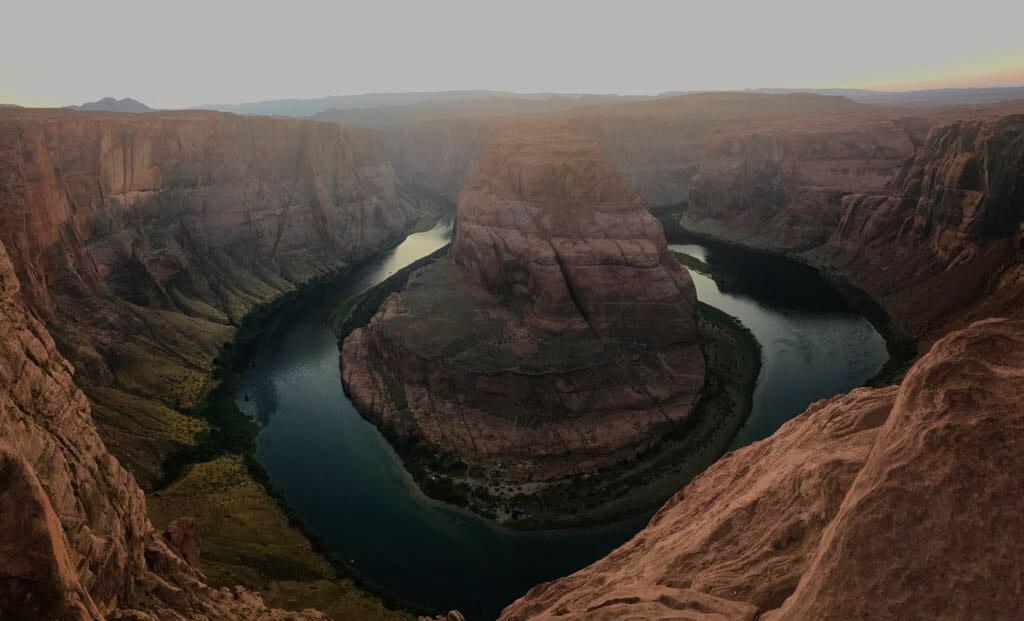 travel-blogger-arizona-long-weekend-itinerary-horseshoe-bend-sunset 10