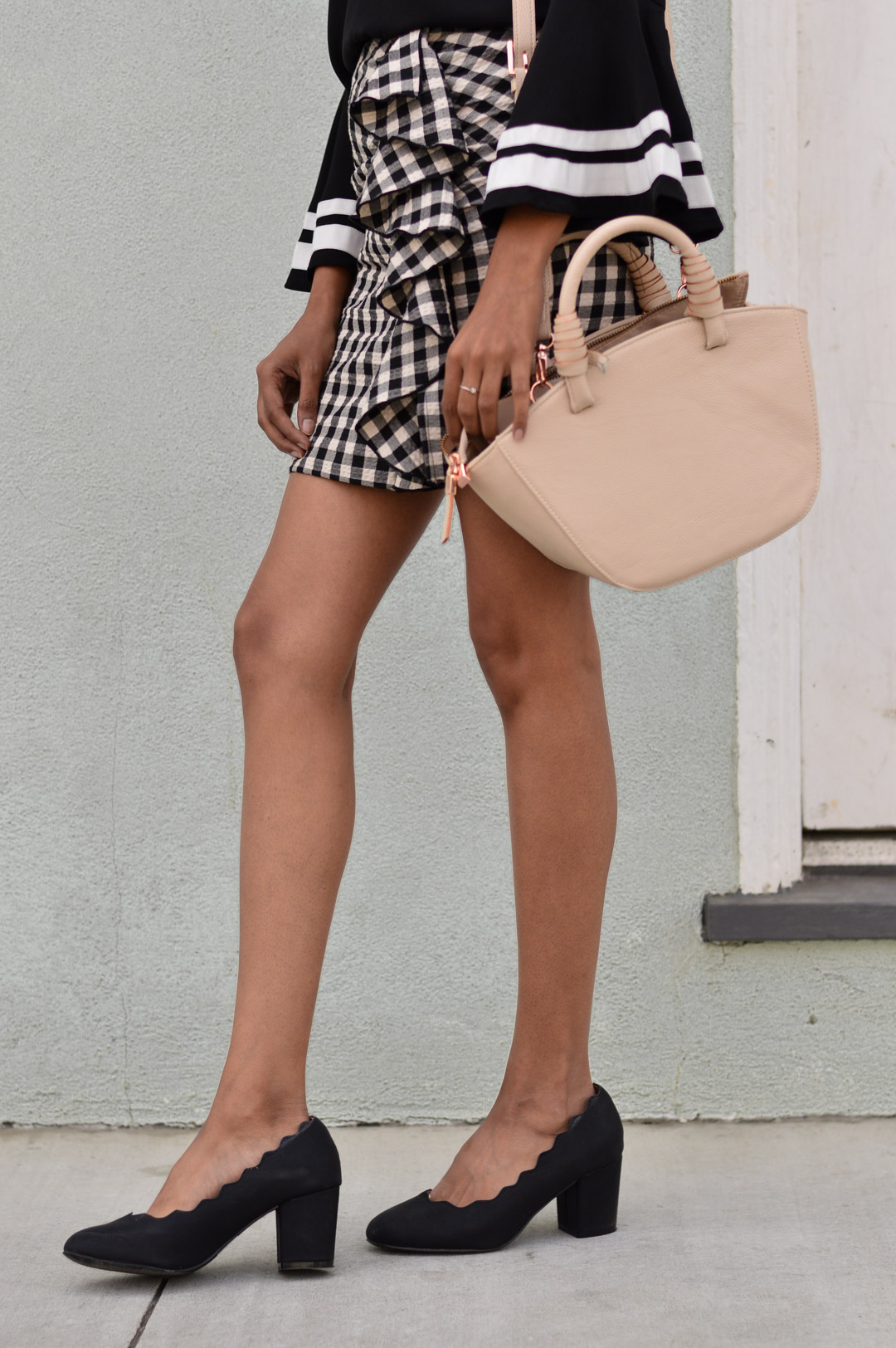 bell-sleeves-gingham-ruffles-fall-style-blogger-outfit 8
