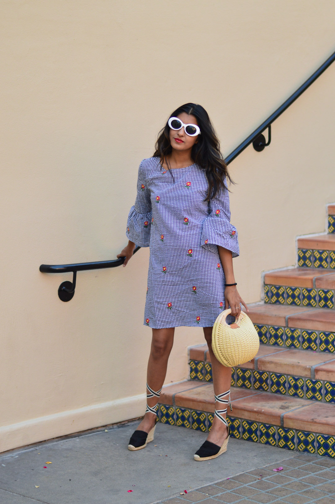 gingham-embroidered-dress-summer-trends-blogger-outfit 1