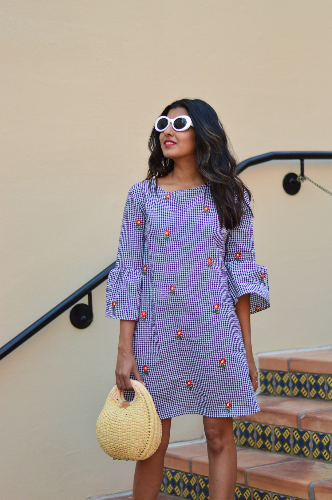 gingham-embroidered-dress-summer-trends-fashion-blogger-outfit 2