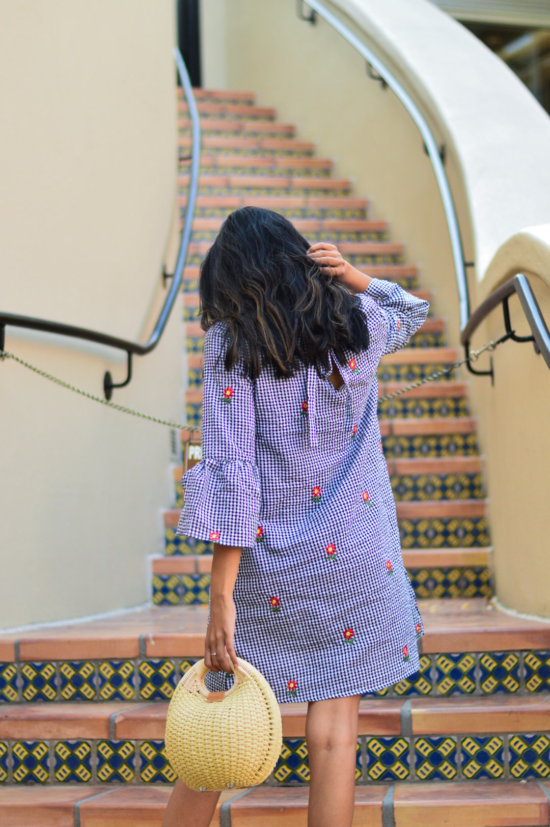 gingham-embroidered-dress-summer-trends-fashion-blogger-outfit 7