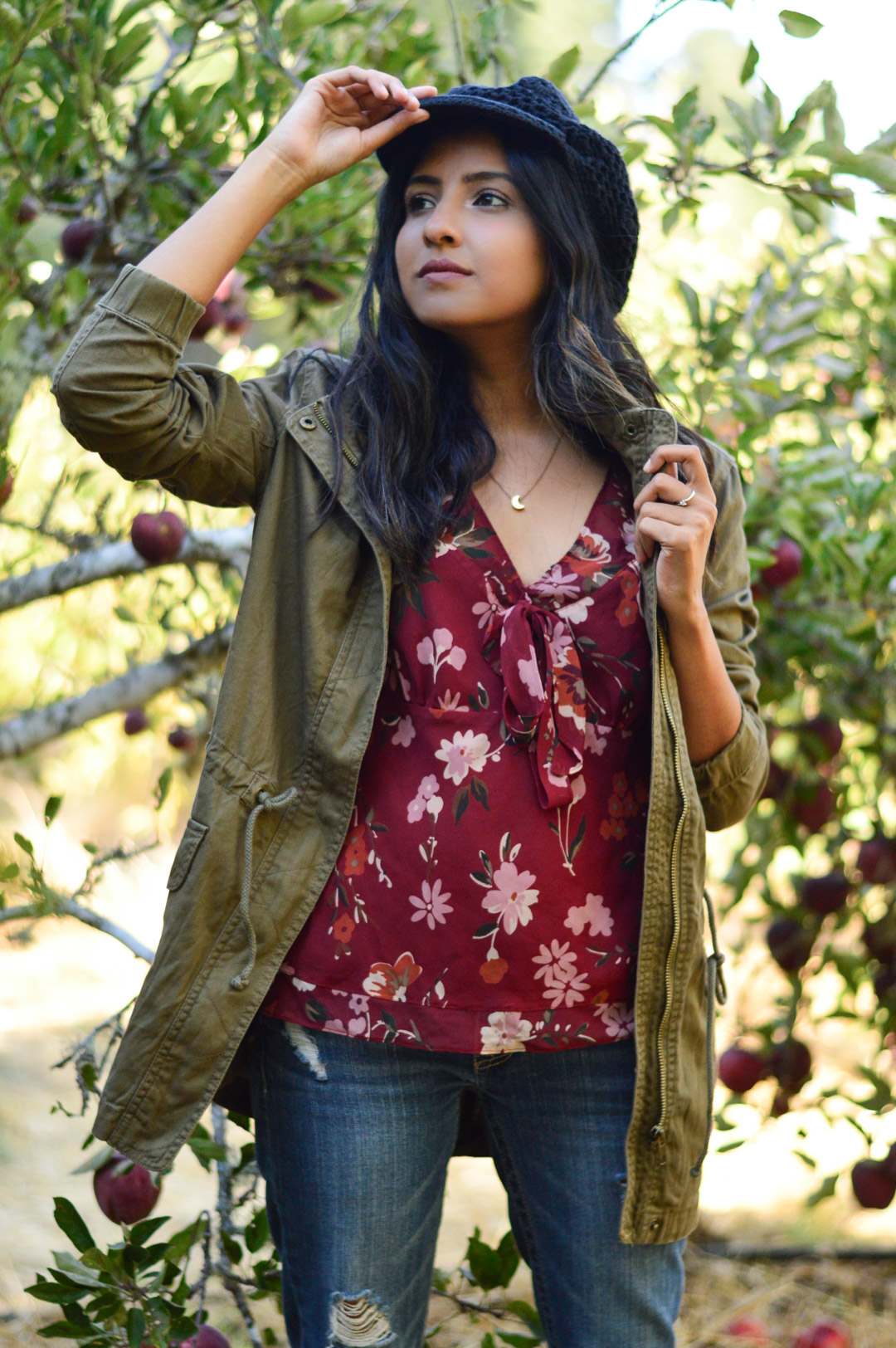 apple-picking-fall-florals-utility-jacket-blogger-outfit-california 5