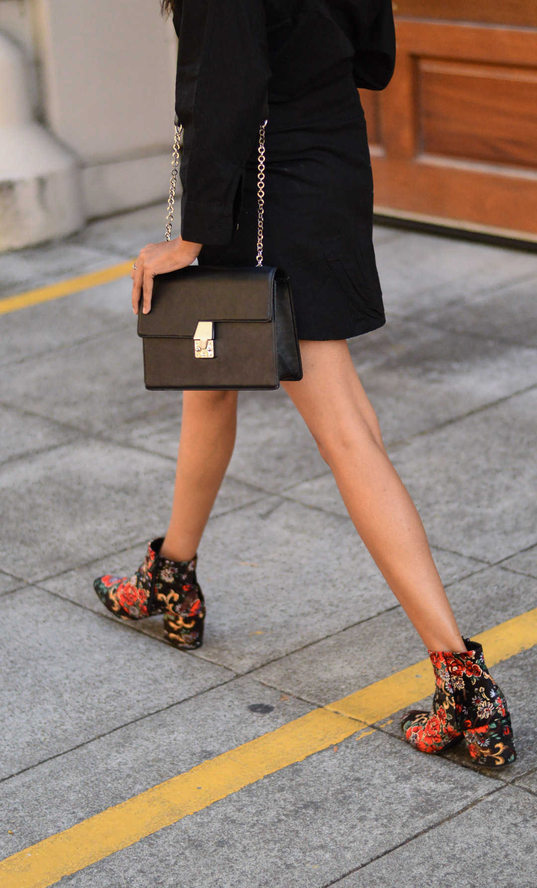 shirtdress-floral-velvet-boots-blogger-outfit-fall-style 8