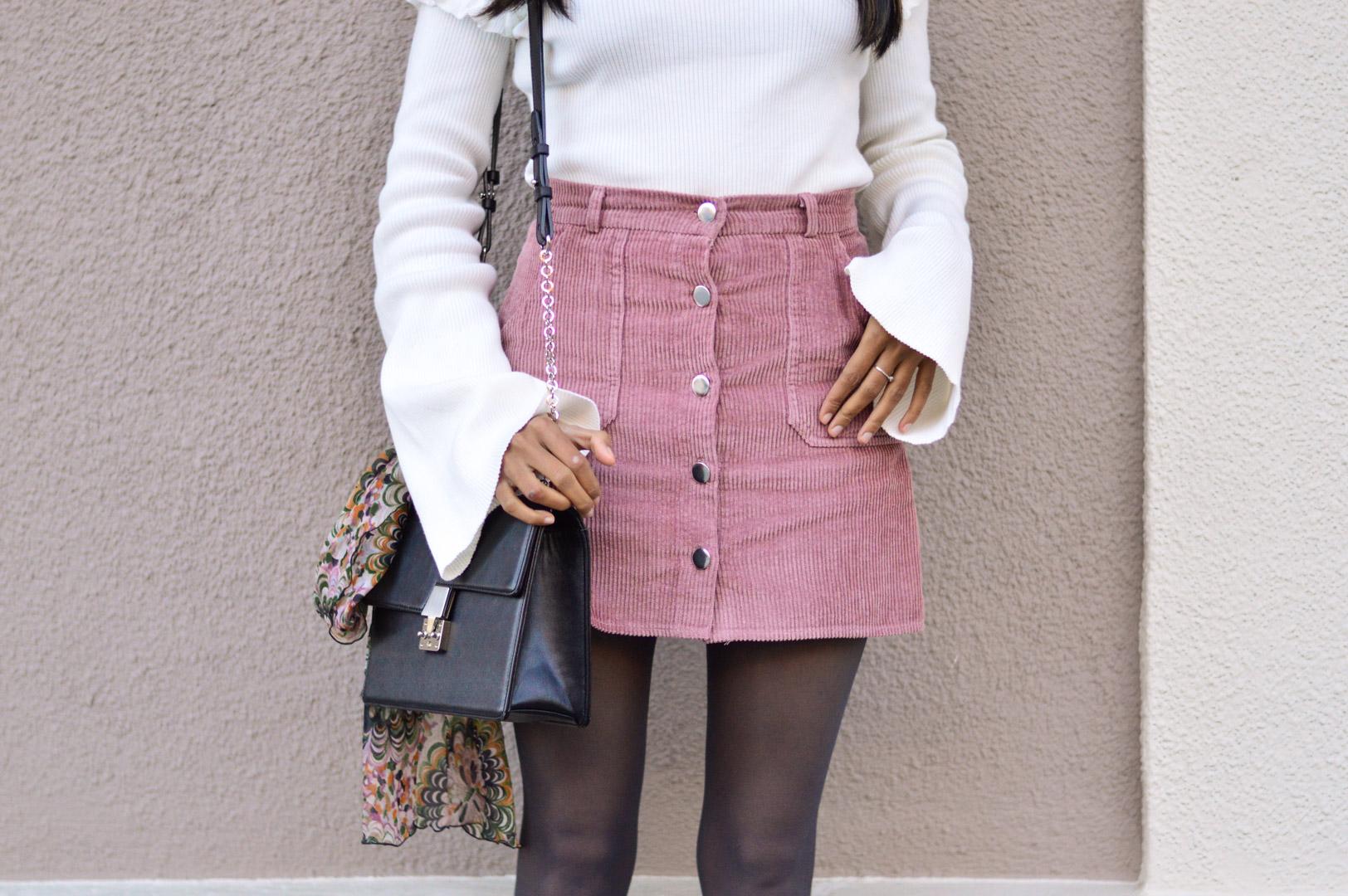 corduroy-skirt-pink-bell-sleeves-sweater-blogger 4