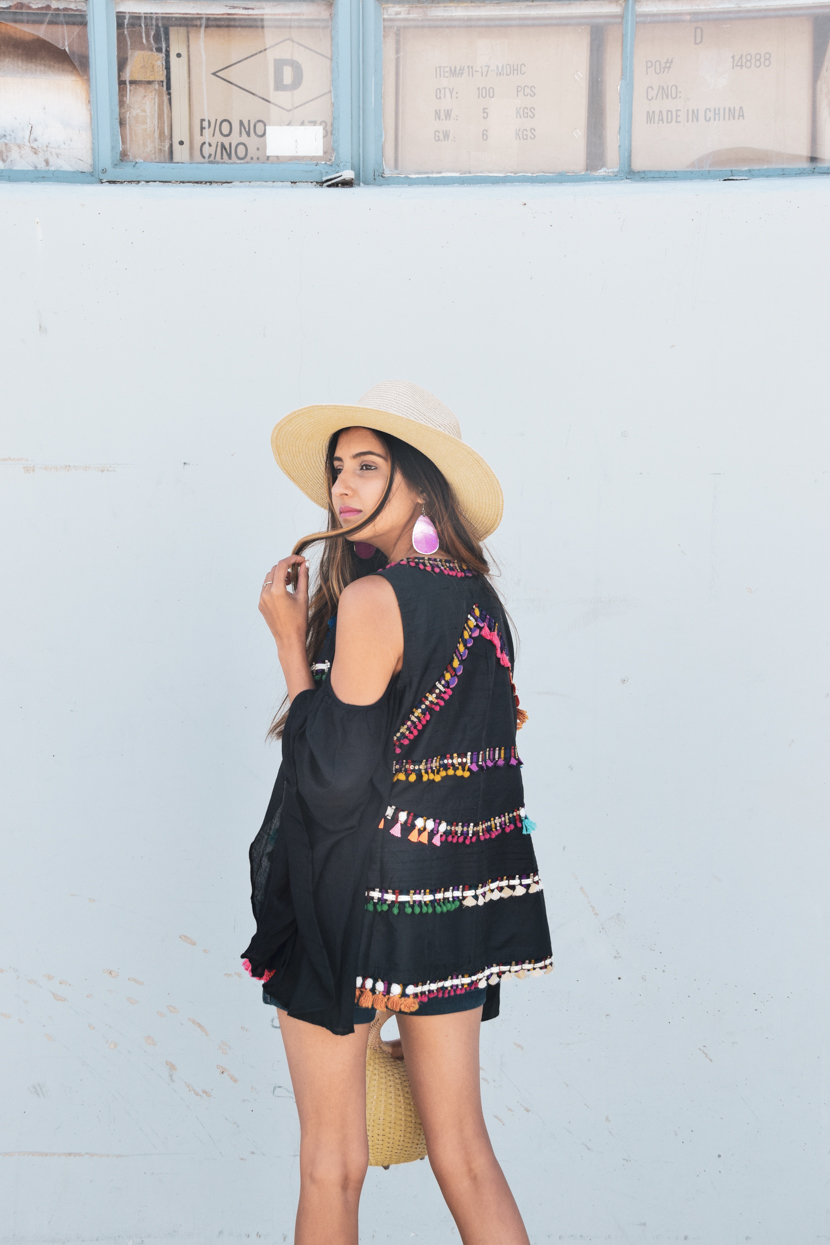embroidered-tassels-style-blogger-outfit 5
