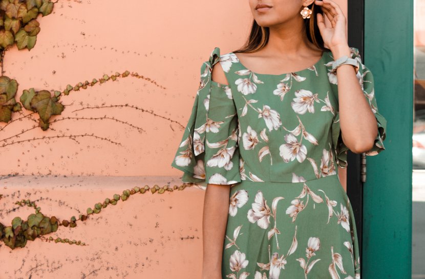 green-floral-dress-midi-blogger-outfit 4