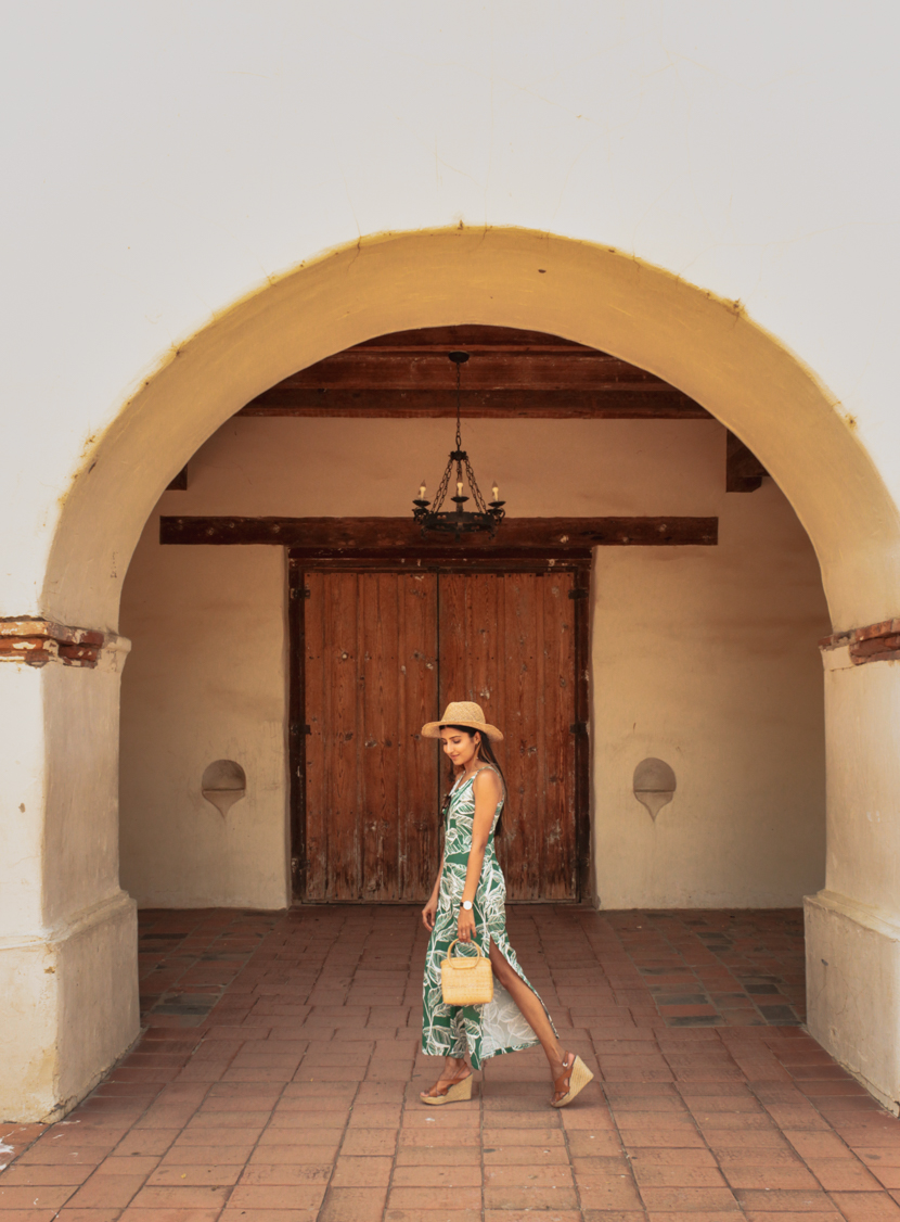 san-juan-bautista-travel-blogger-outfit 6