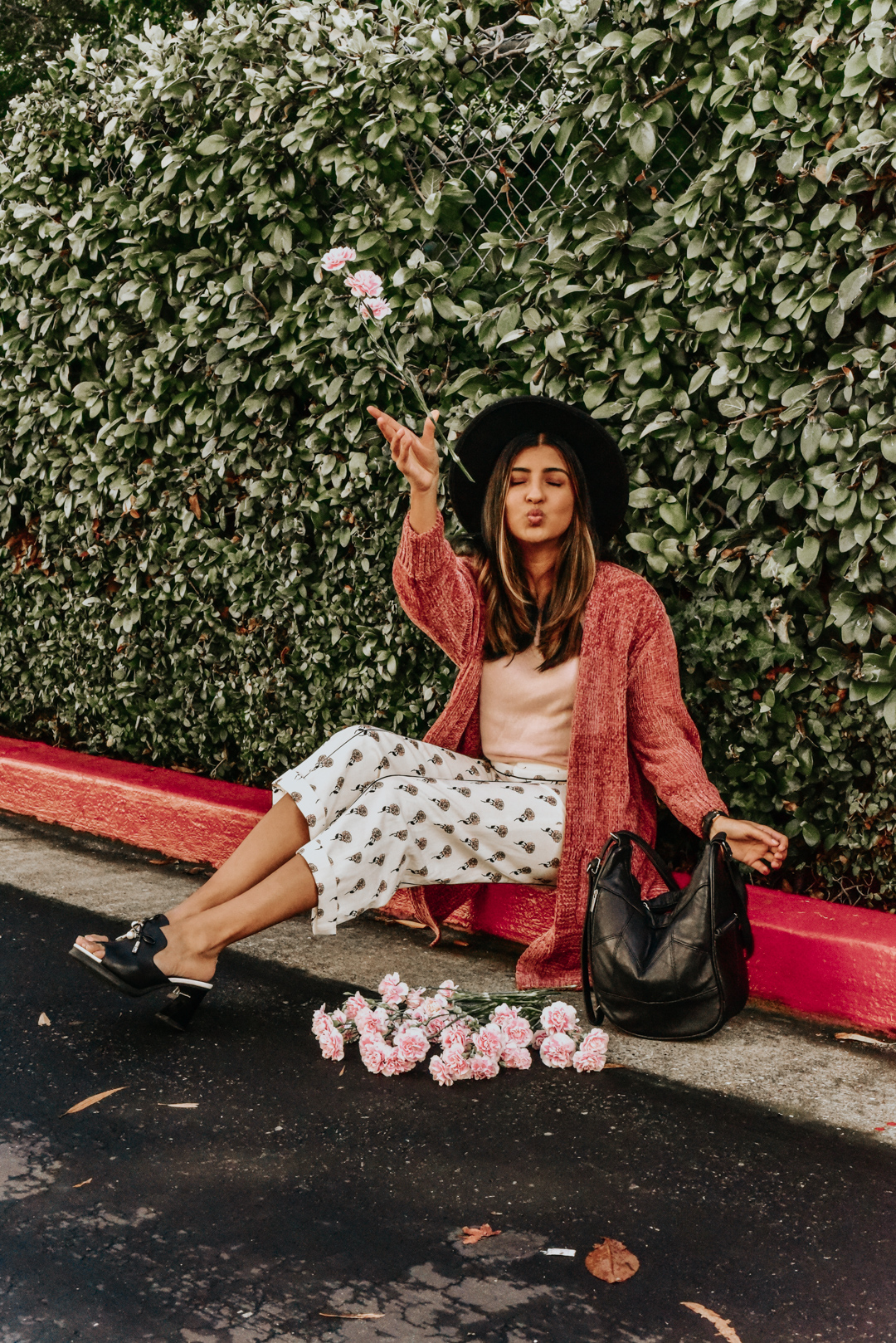 chenille-cardigan-pink-blogger-outfit 3