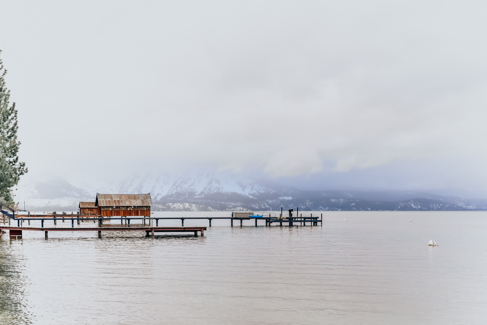 black-bear-lodge-lake-tahoe-travel-blogger 17