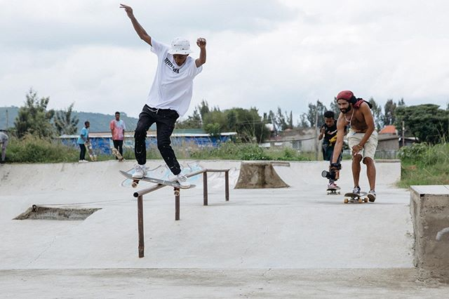 Second stop: Hawassa — @henock_skate boardslide at the skatepark that he helped build.  It was some of the crew's first time at Hawassa Skatepark and much fun connecting with local skaters. More to come #eshibekaskate #ethiopia 📷: @micky_.s
