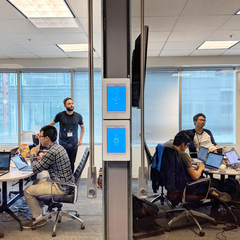 Canadian Life Hacks Hackathon teams in work mode! 🗣️💪