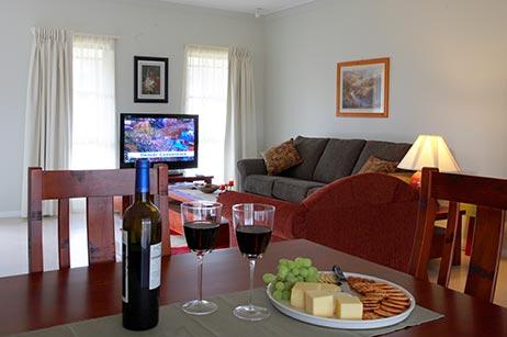 dining-room-talga-estate