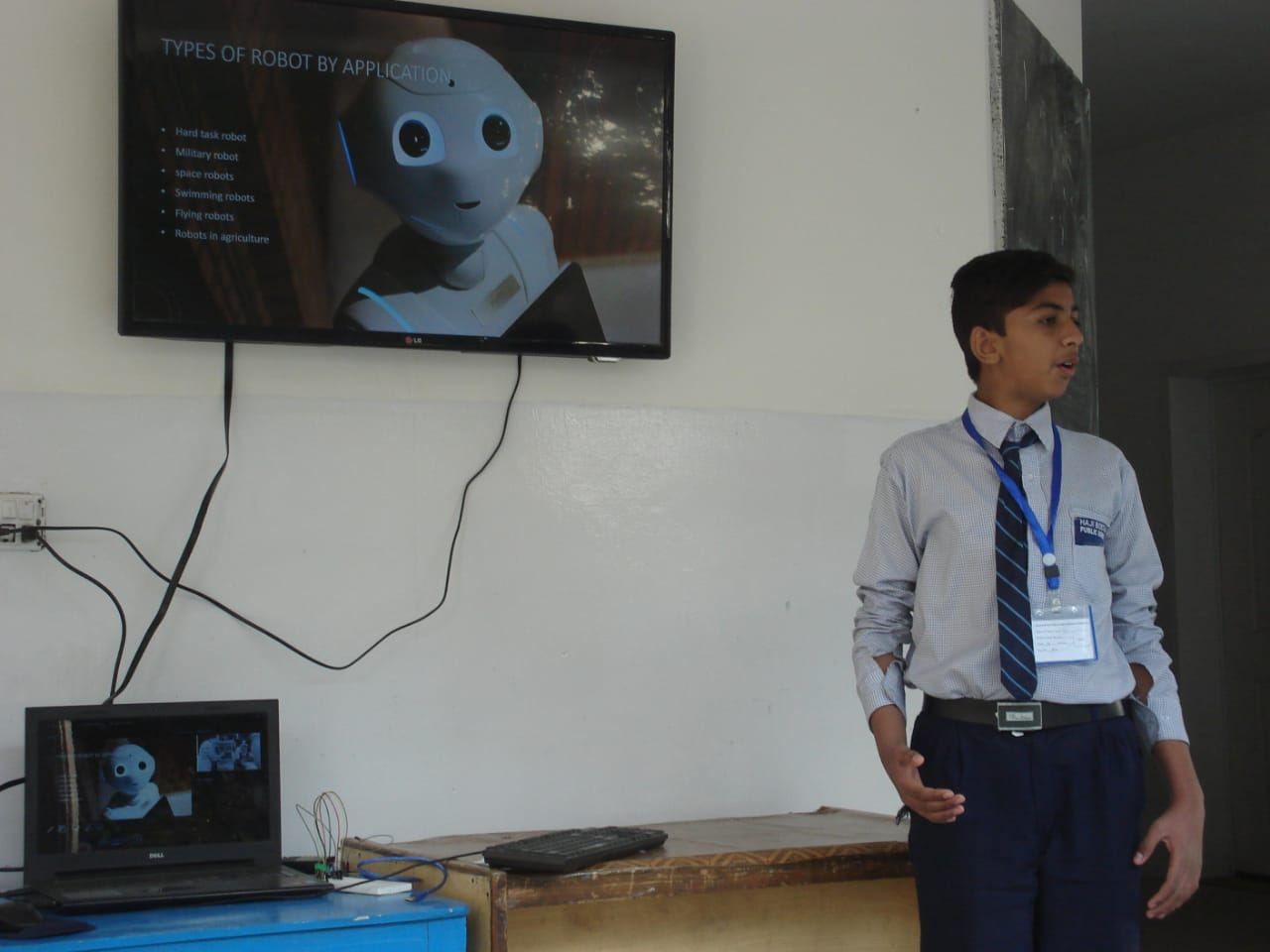 Students+Edtech+Khud+Demo+Day+Sulman.jpeg