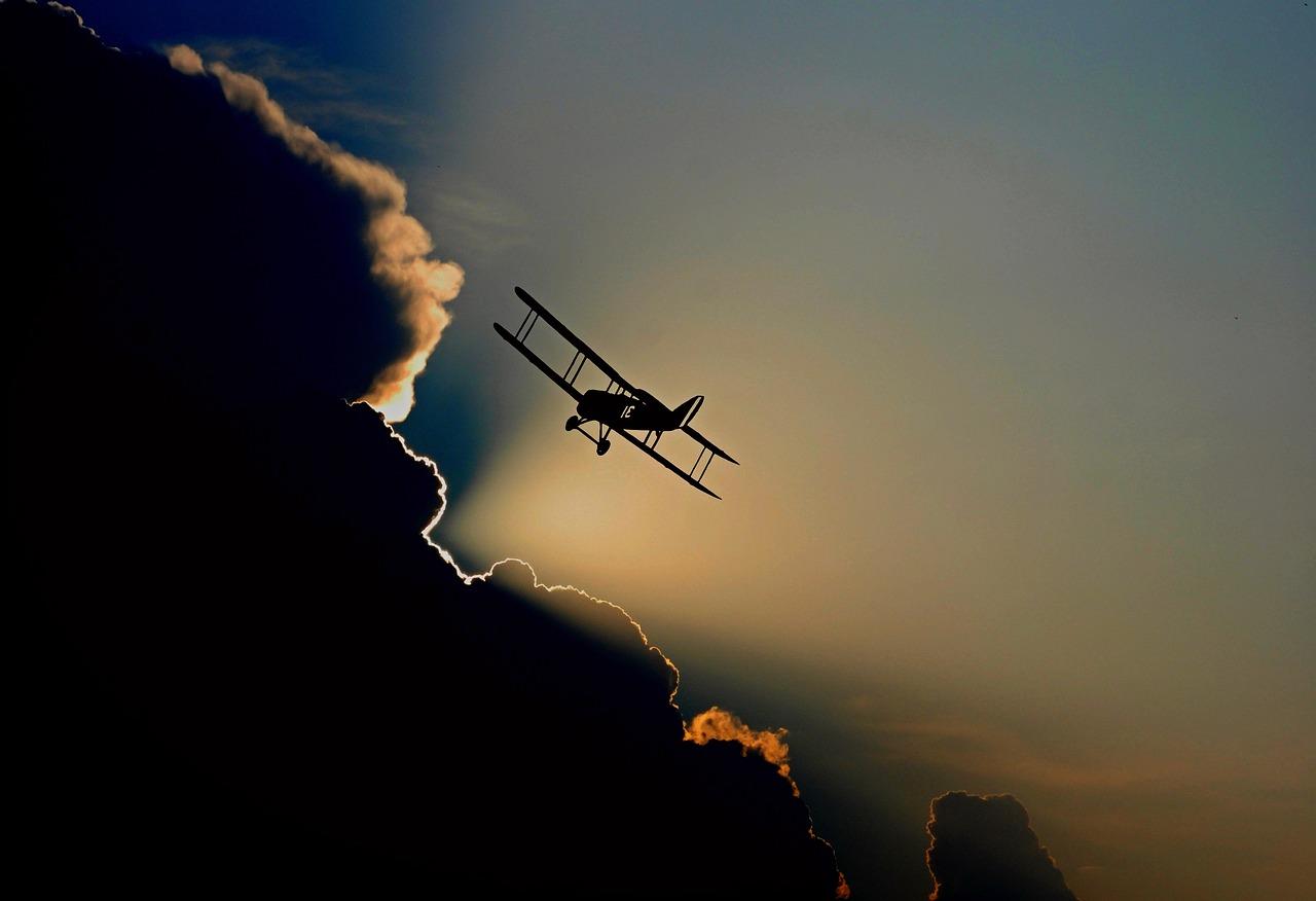 aircraft-1813731_1280.jpg