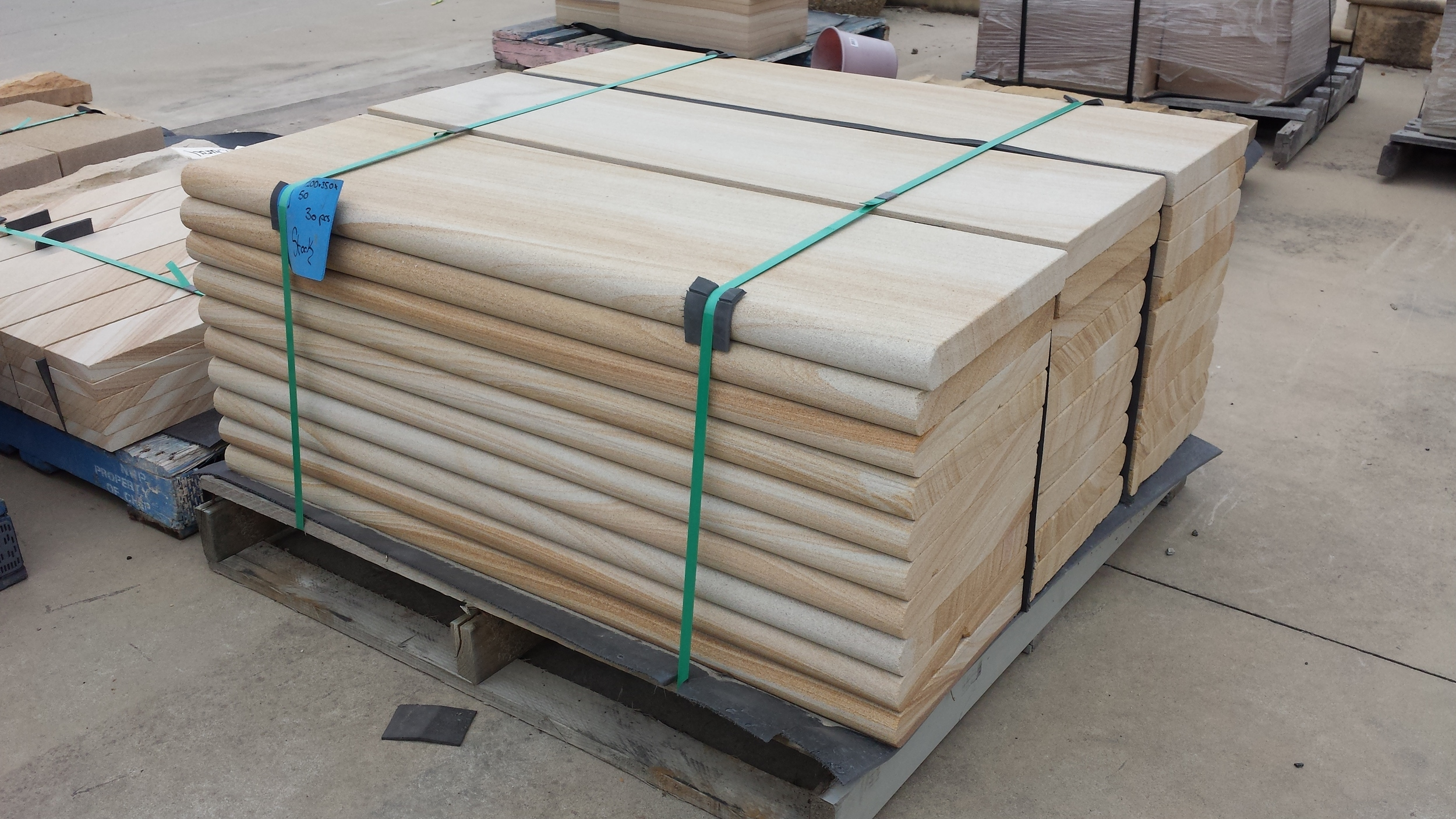 Bullnosed Step Treads - Stock item 1200 x 350 x 50  (1).jpg