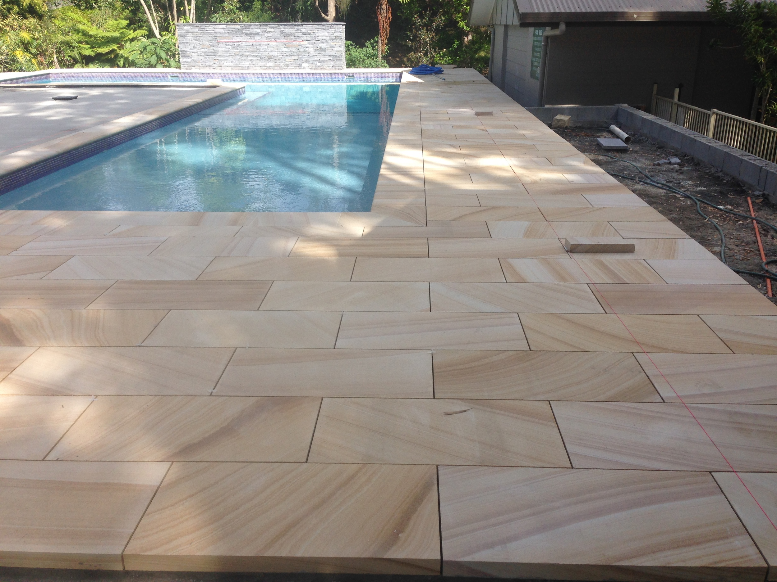 Medium Brown Sawn paving and Pool surrounds