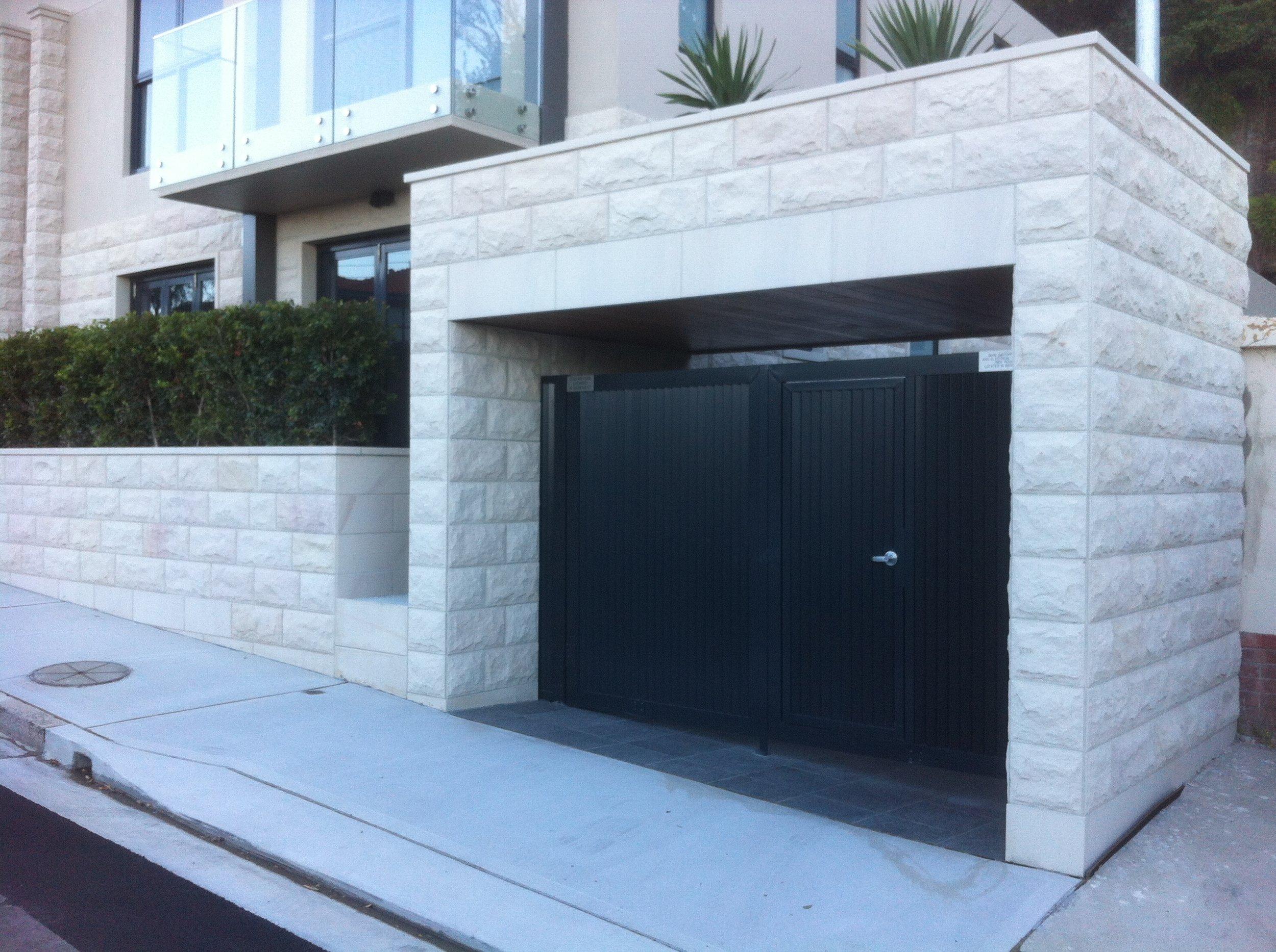 Elite Stonemason - Vaucluse project- pure white rockfaced cladding (1).JPG