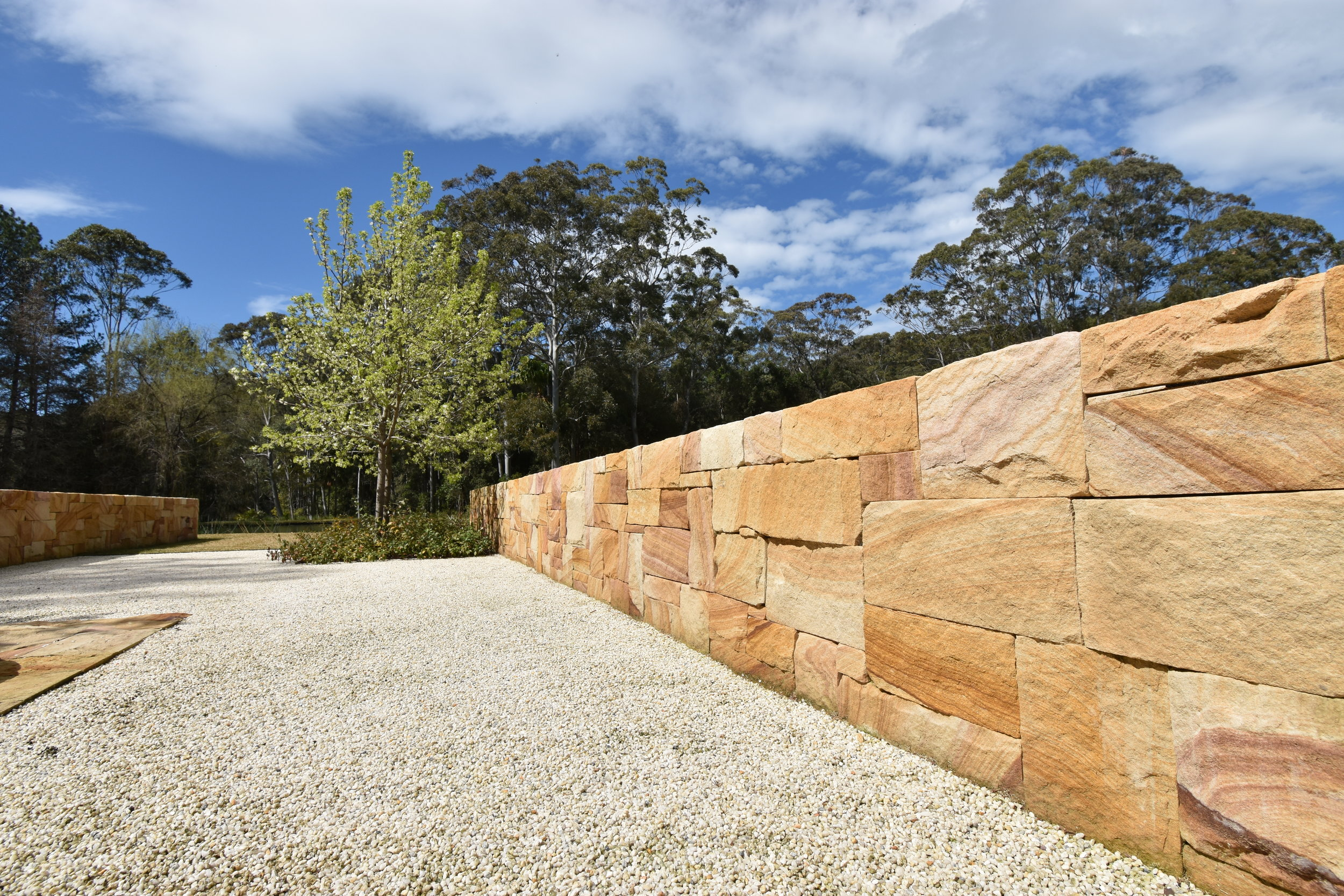 Holgate Private residence - Brown Range balllast walling  (5).JPG