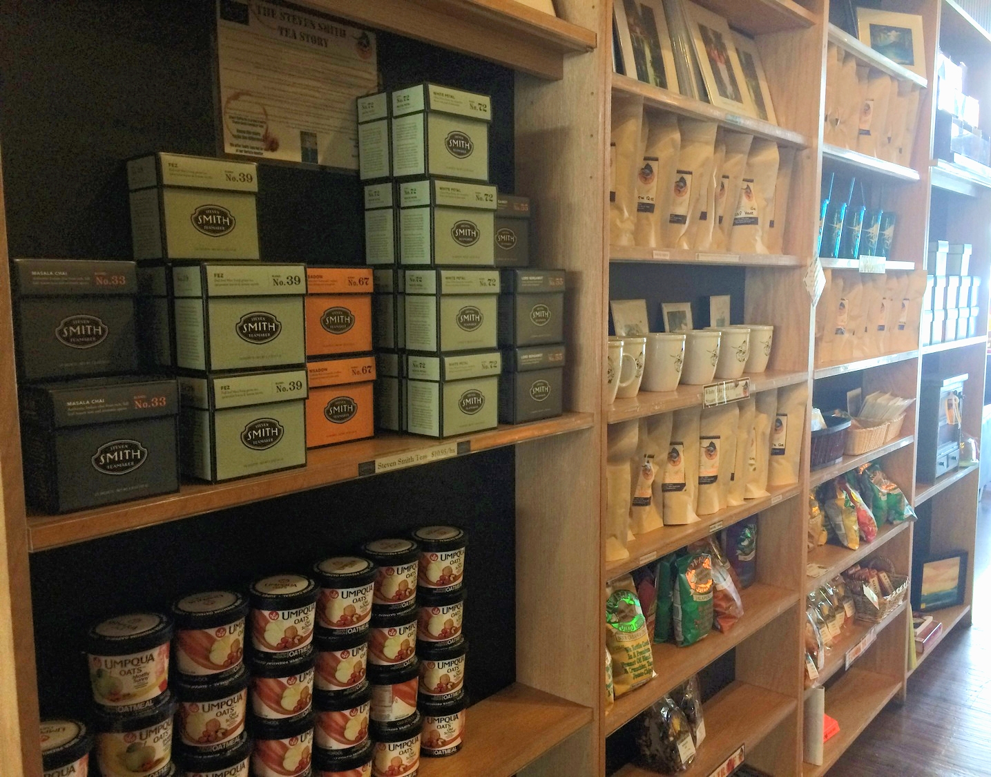 Wide selection of teas, coffees, snacks and gifts