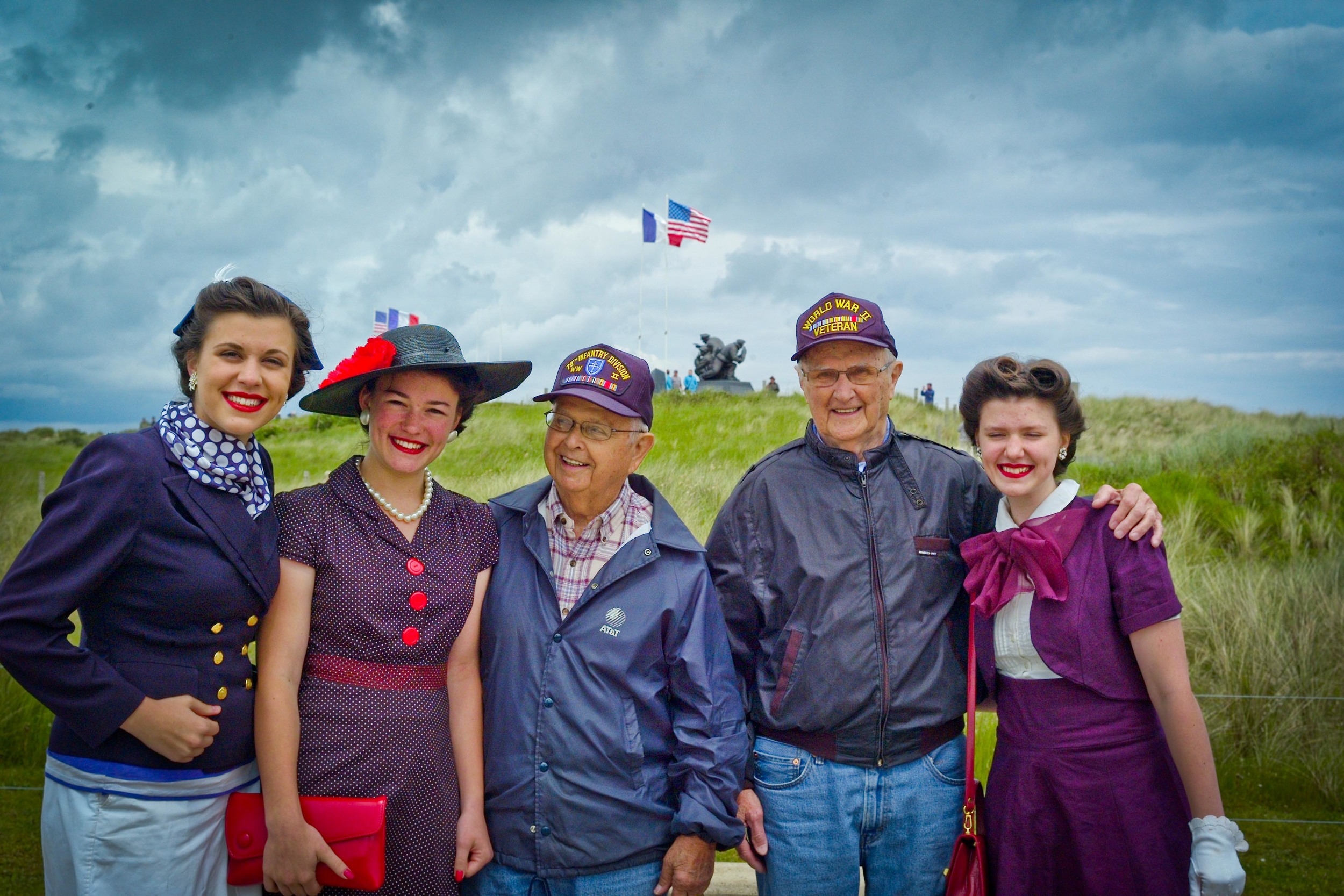 Right to left: Liberty Phillips, Jubilee Phillips, Herb Griffin, Ed Griffin, and Faith Phillips