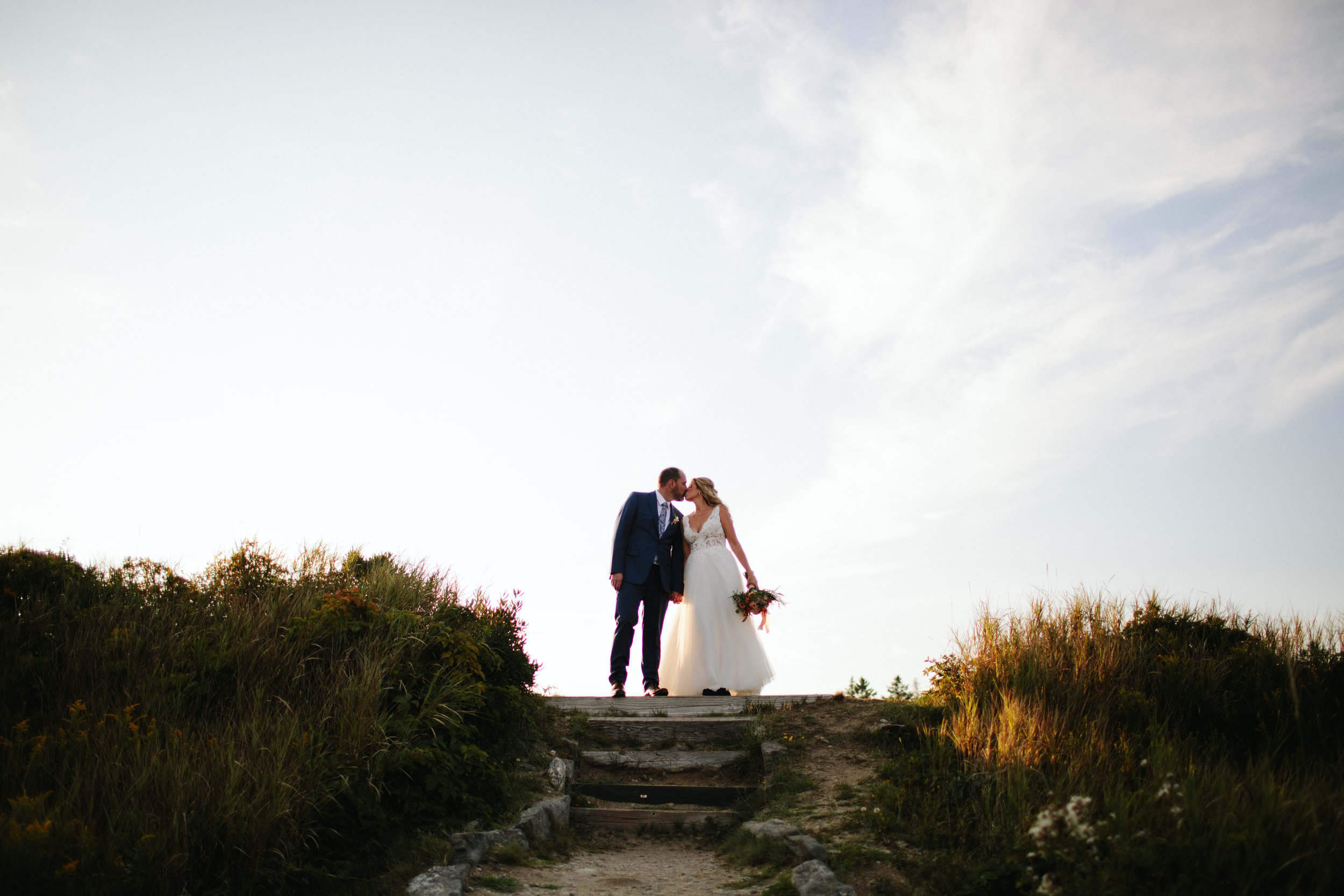 1-modern-maine-wedding-portraits-reid-state-park-17.jpg