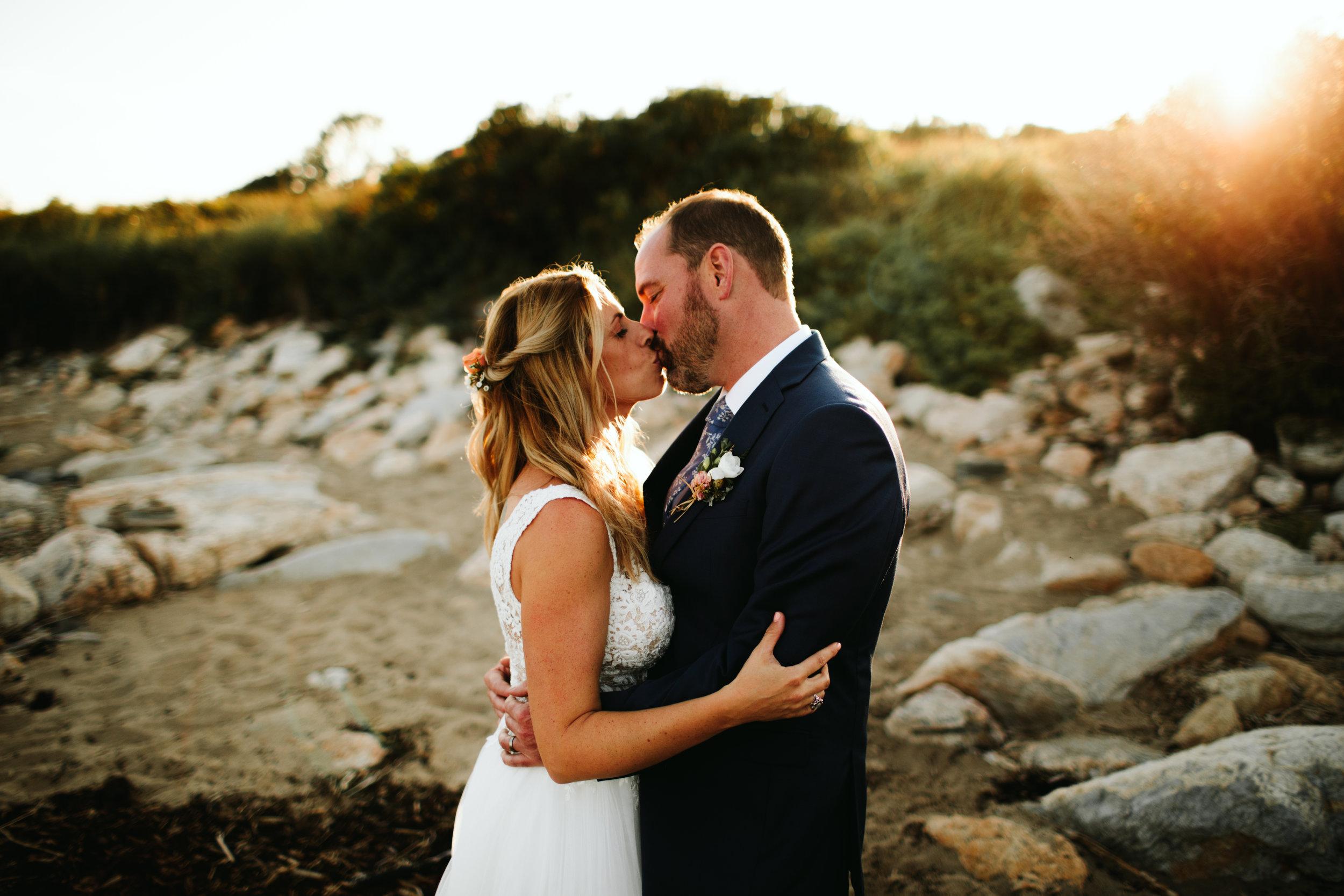 reid-state-park-maine-wedding-kiss