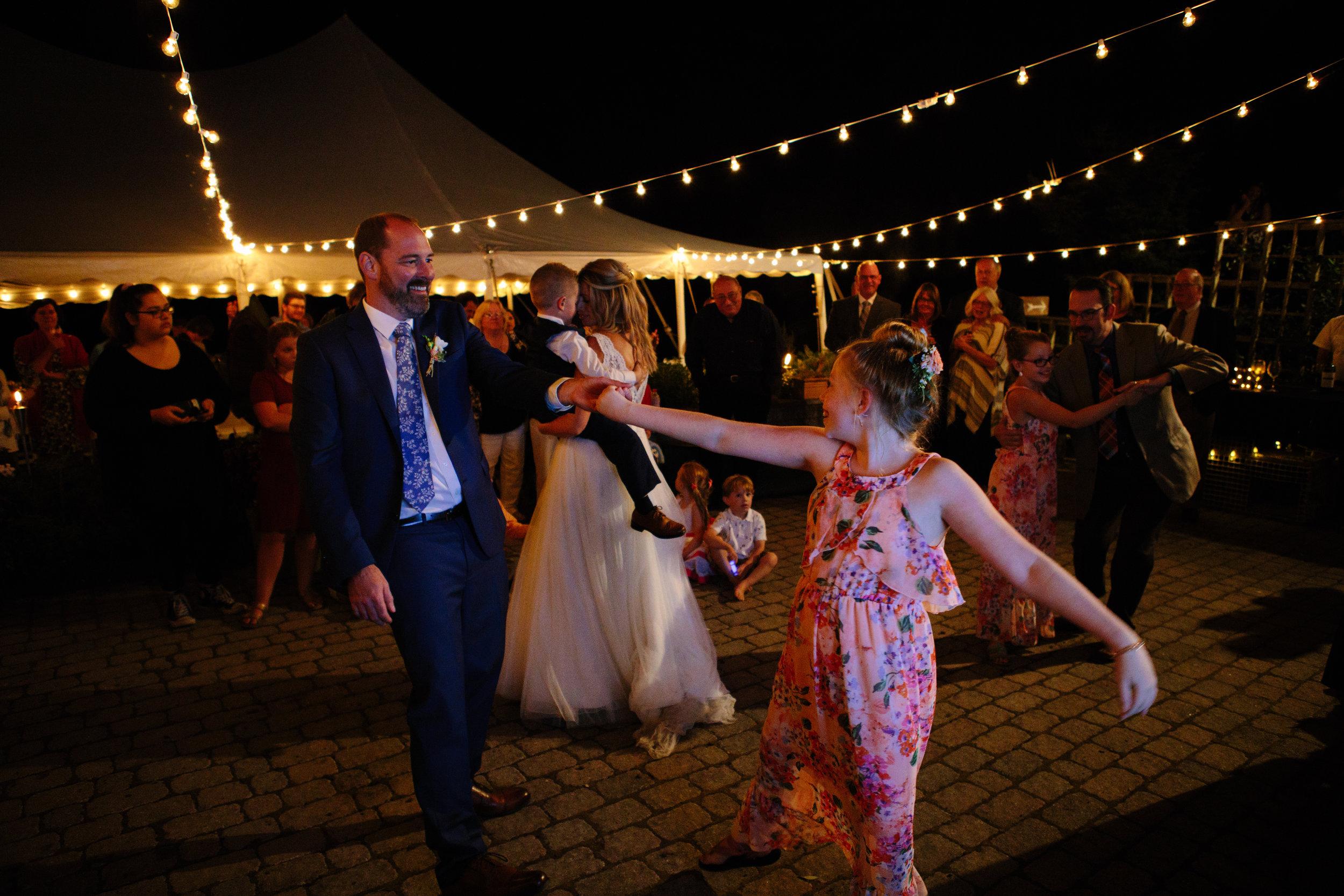 leslie-swan-photography-maine-wedding-georgetown-20.jpg
