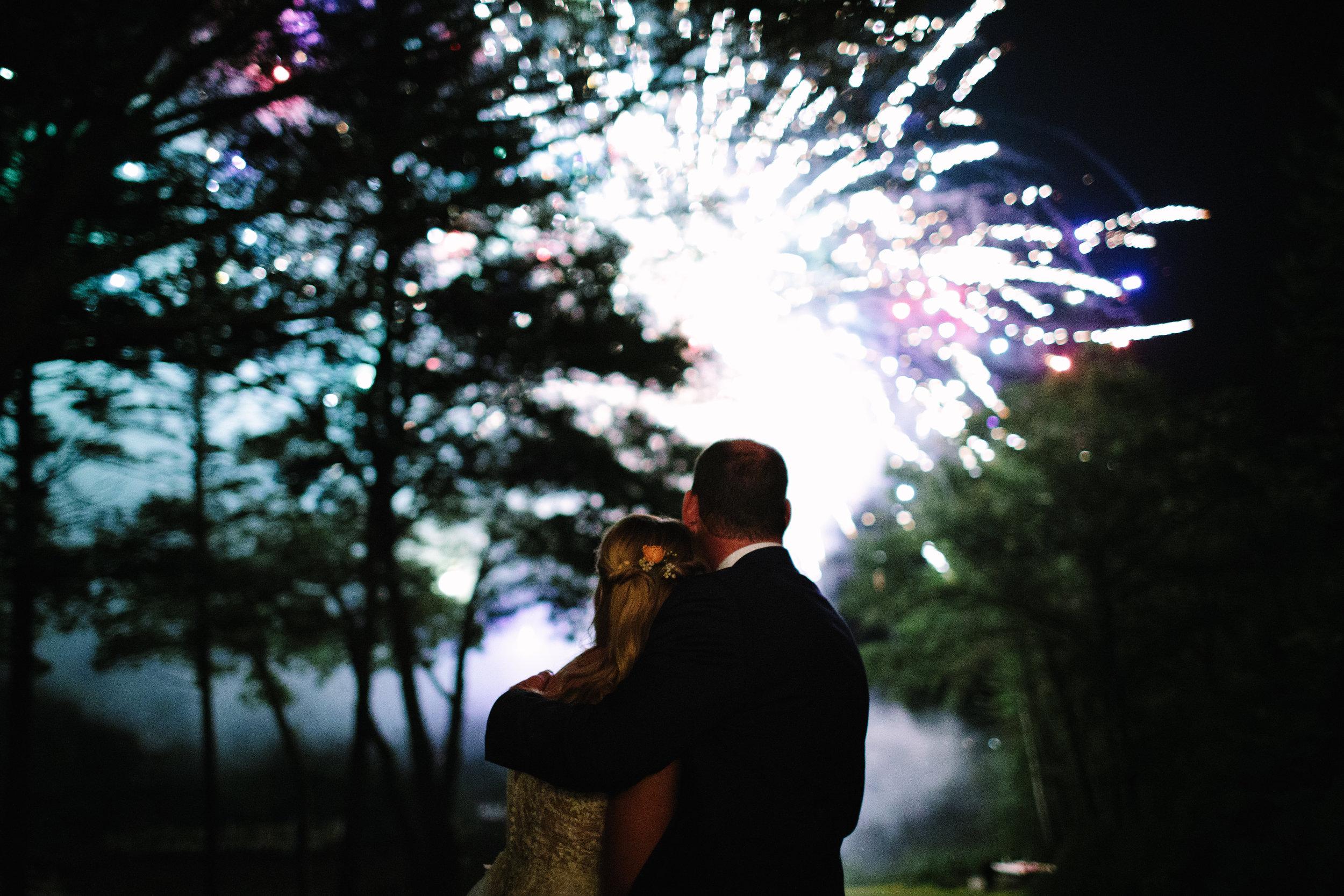 leslie-swan-photo-maine-wedding-georgetown.jpg