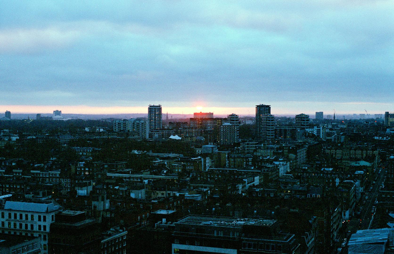 london003.jpg