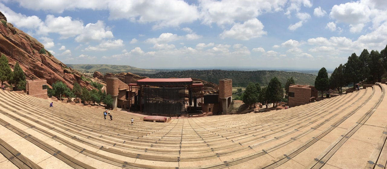 Panoramic pic of the theater