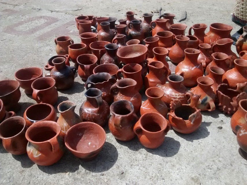 Pottery for sale on the street. Really? This is it?