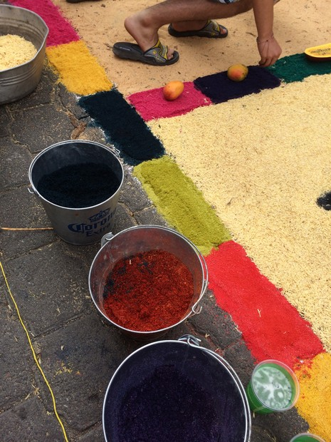 The base of severalcarpets was made using dyed sawdust.