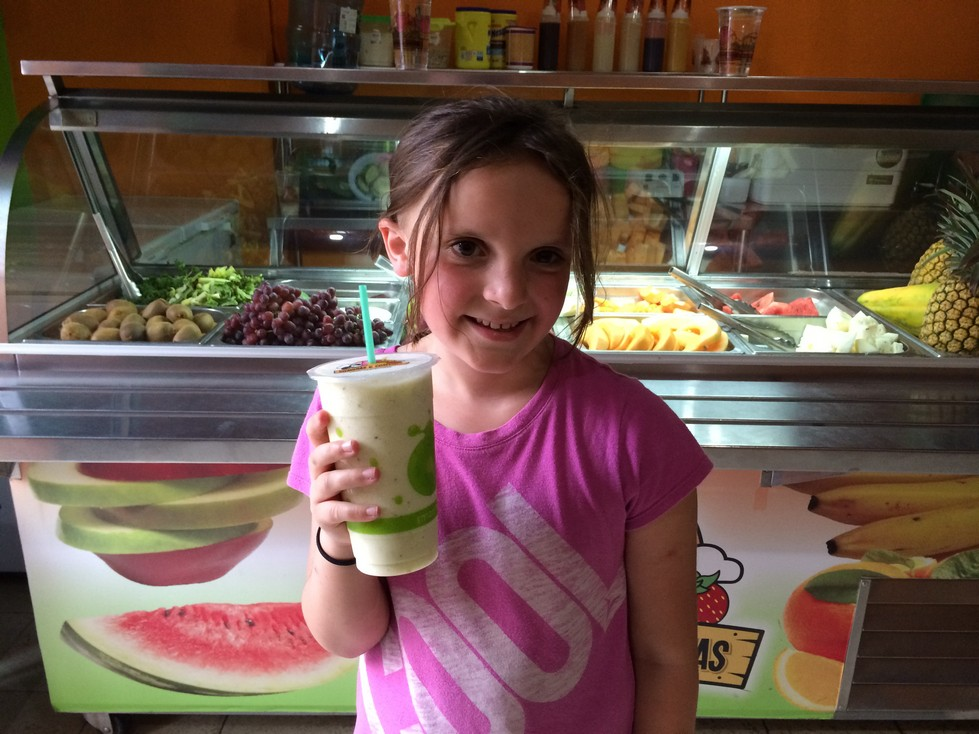 1st Stop in Granada - A new favorite smoothie flavor - kiwi, grape, pineapple and orange.