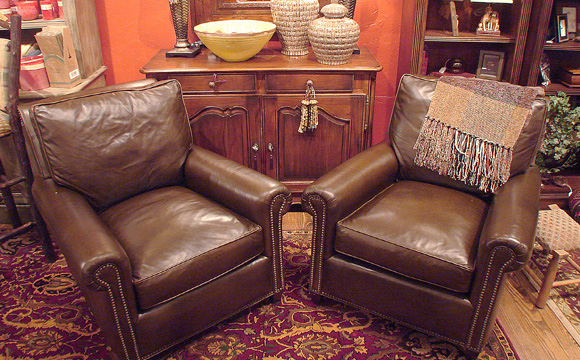 From antiques to upholstery, we carry an extensive and updated inventory year-round.