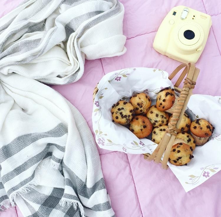 beach breakfast picnic. :)