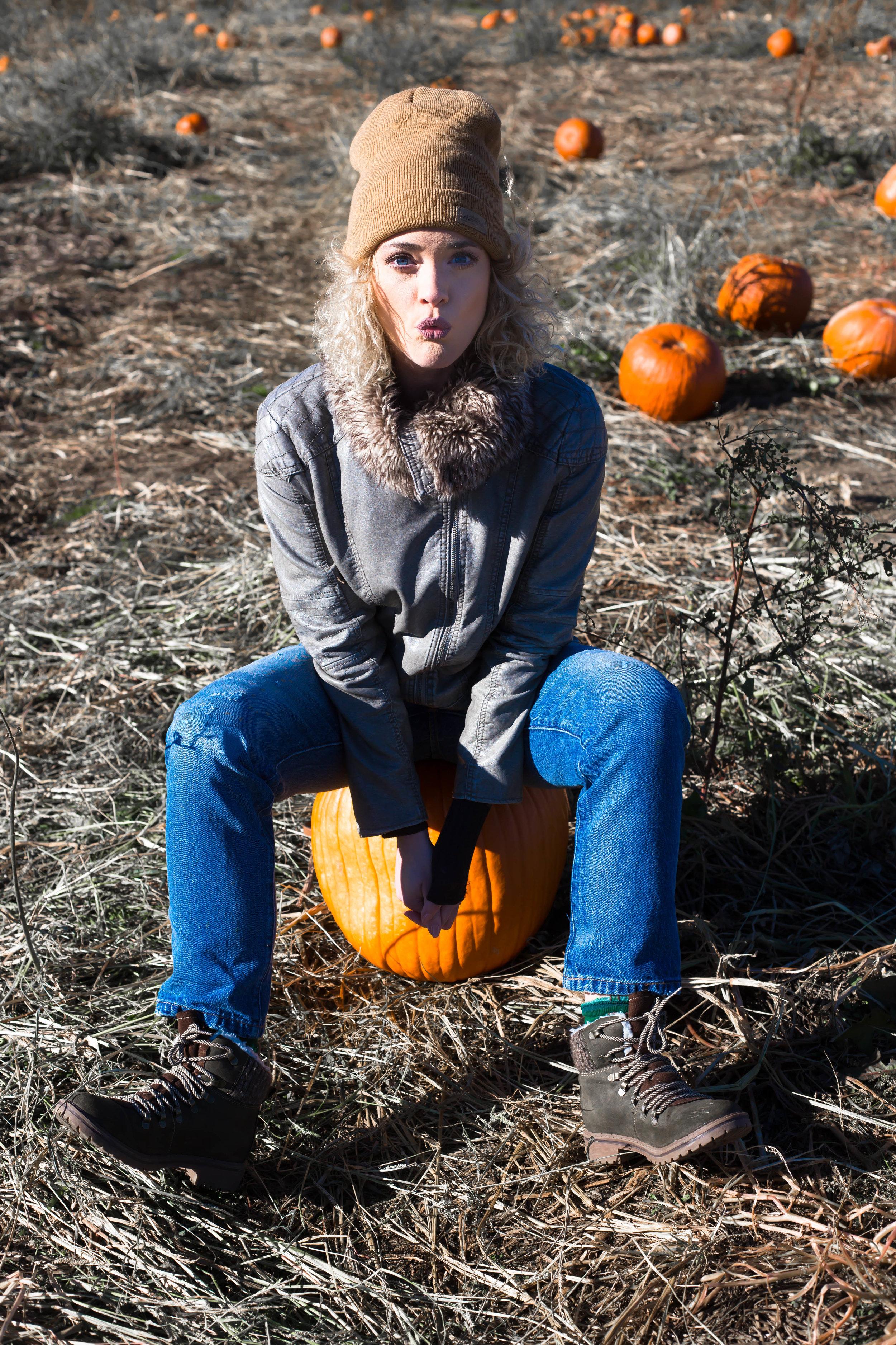 Pumpkin Patch (13 of 26).jpg