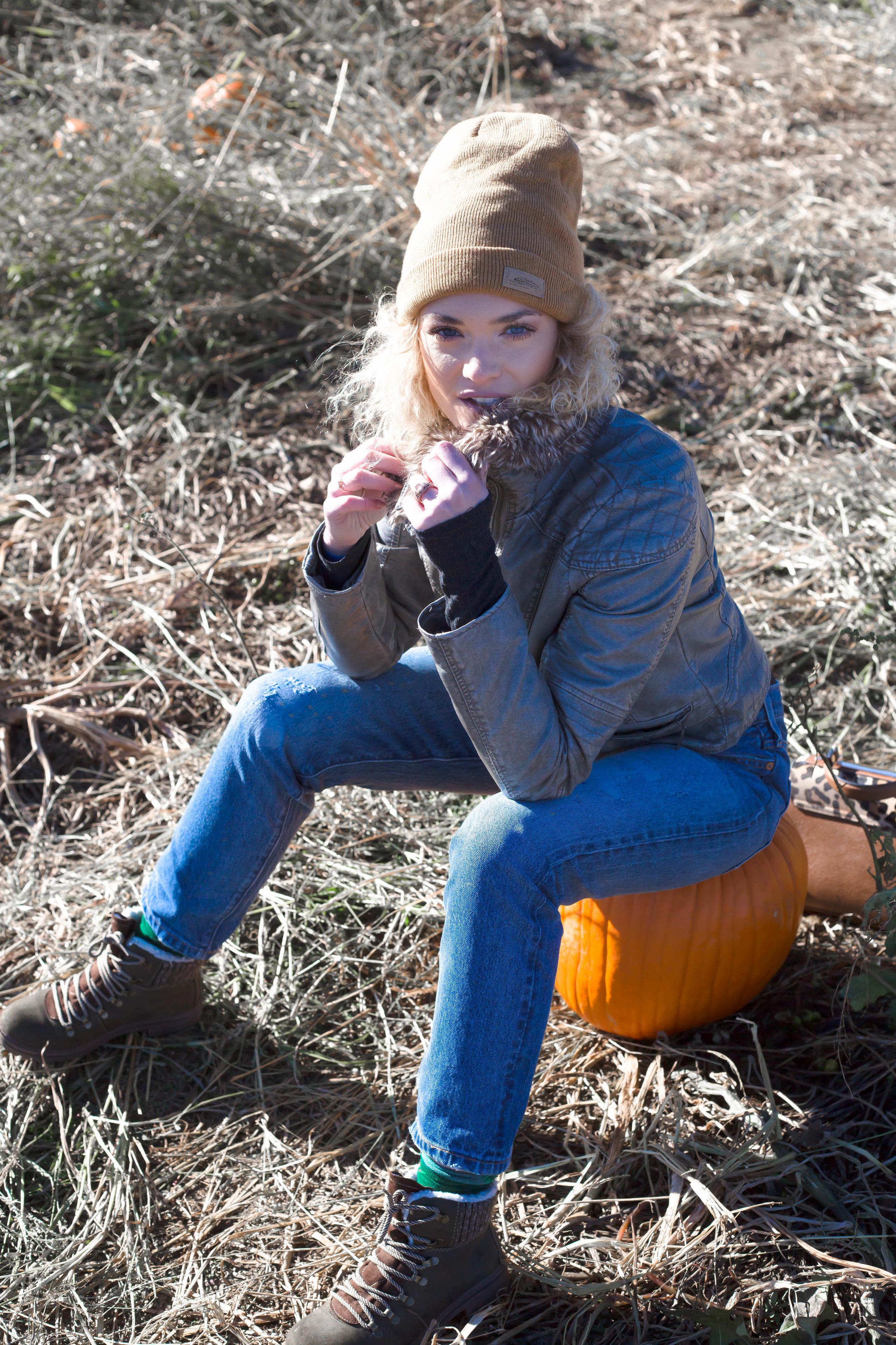Pumpkin Patch (15 of 26).jpg