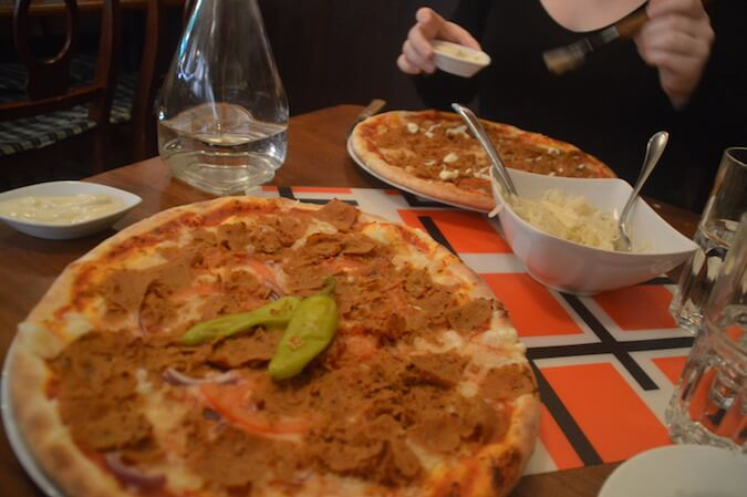 vegan pizza in Stockholm
