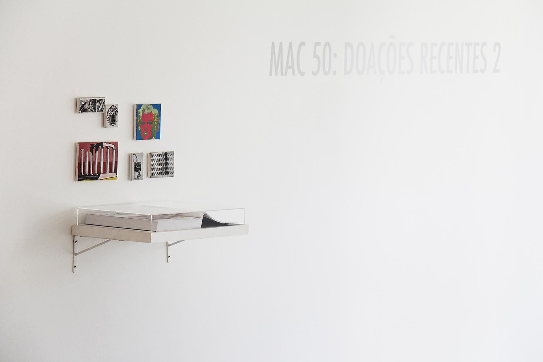 Páginas 648 e 649 (Série Foi Assim Que Me Ensinaram) • 2012 •Livro emoldurado, óleo sobre tela •  31,5 x 46,5 cm (livro), 11,5 x 11,5 cm; 11,5 x 17,5 cm; 8 x 11,5 cm; 5,5 x 7 cm; 8,5 x 6 cm; 4,5 x 11,5 cm •  Coleção Museu de Arte Contemporânea - São Paulo