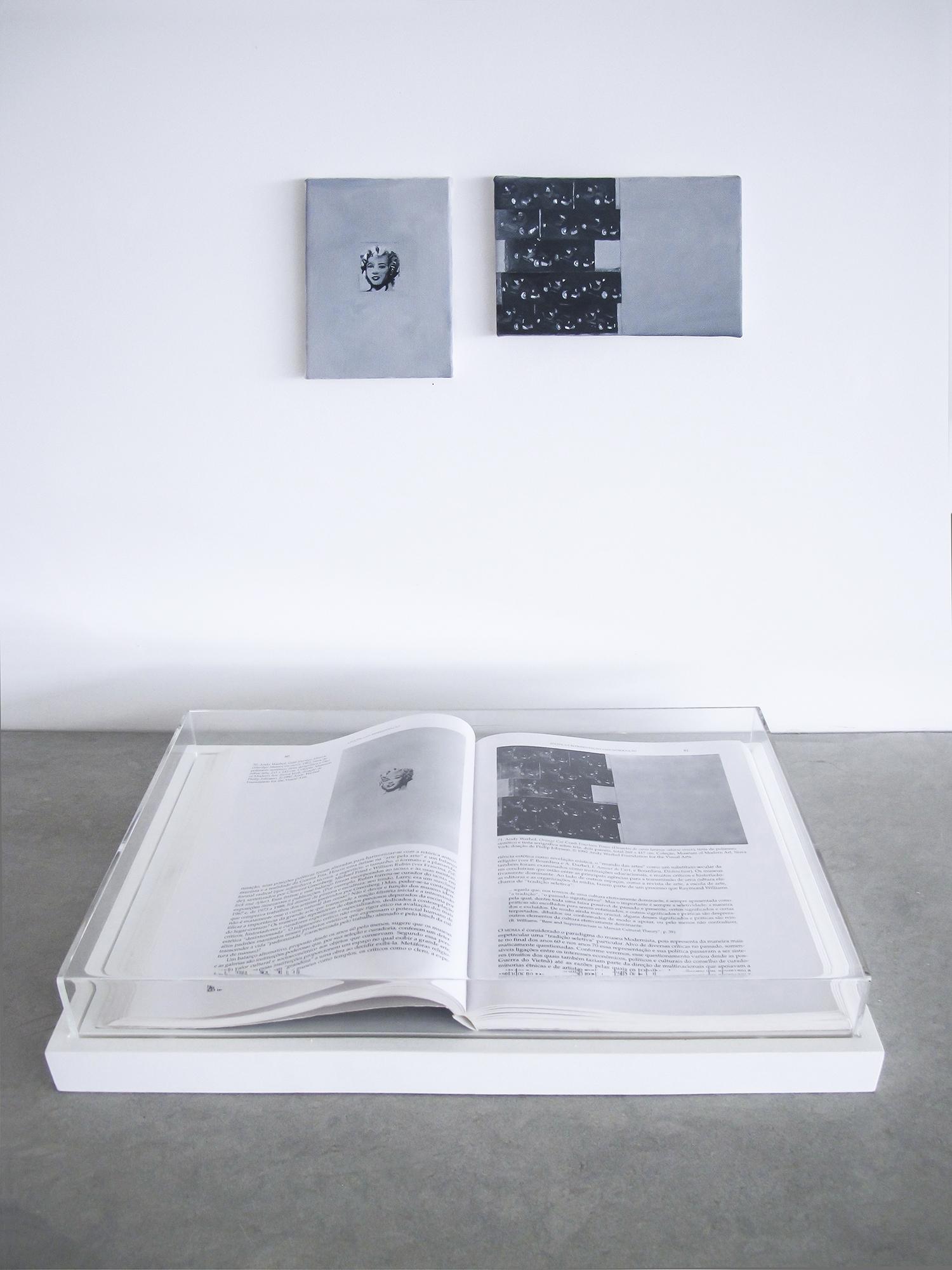 Páginas 80 e 81 (série  Foi    Assim  Q  ue  M  e    Ensinaram  ) •  2013 •  Livro emoldurado, óleo sobre tela •  29 x 43 cm (livro), 13 x 9 cm, 10 x 15,5 cm