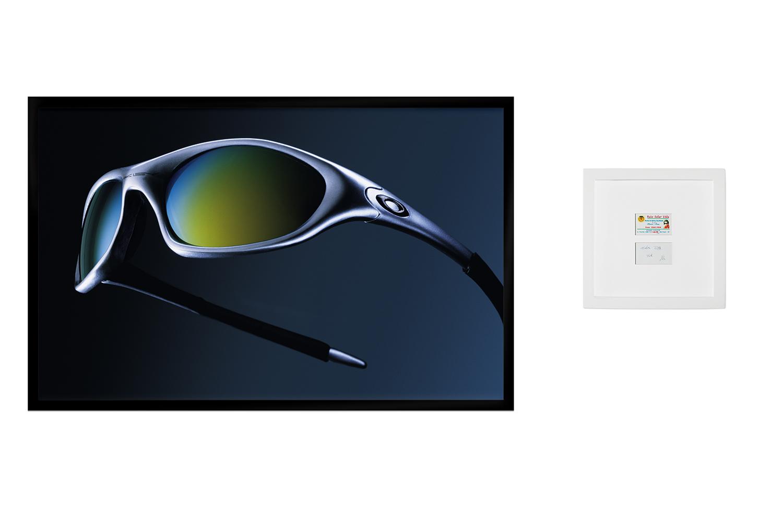 Oakley: R$ 15,00 (série O Que Te Seduz) •  2003/2004 •  Fotografia, impressão digital, recibo de compra •  68 x 108 cm, 30 x 30 cm (díptico)